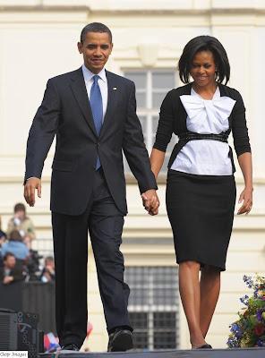 http://2.bp.blogspot.com/_m3GSURxExpo/SdjUQsZNtCI/AAAAAAAAAqI/hYt5_iEtkZ4/s400/MichelleObama_April5_Prague.jpg