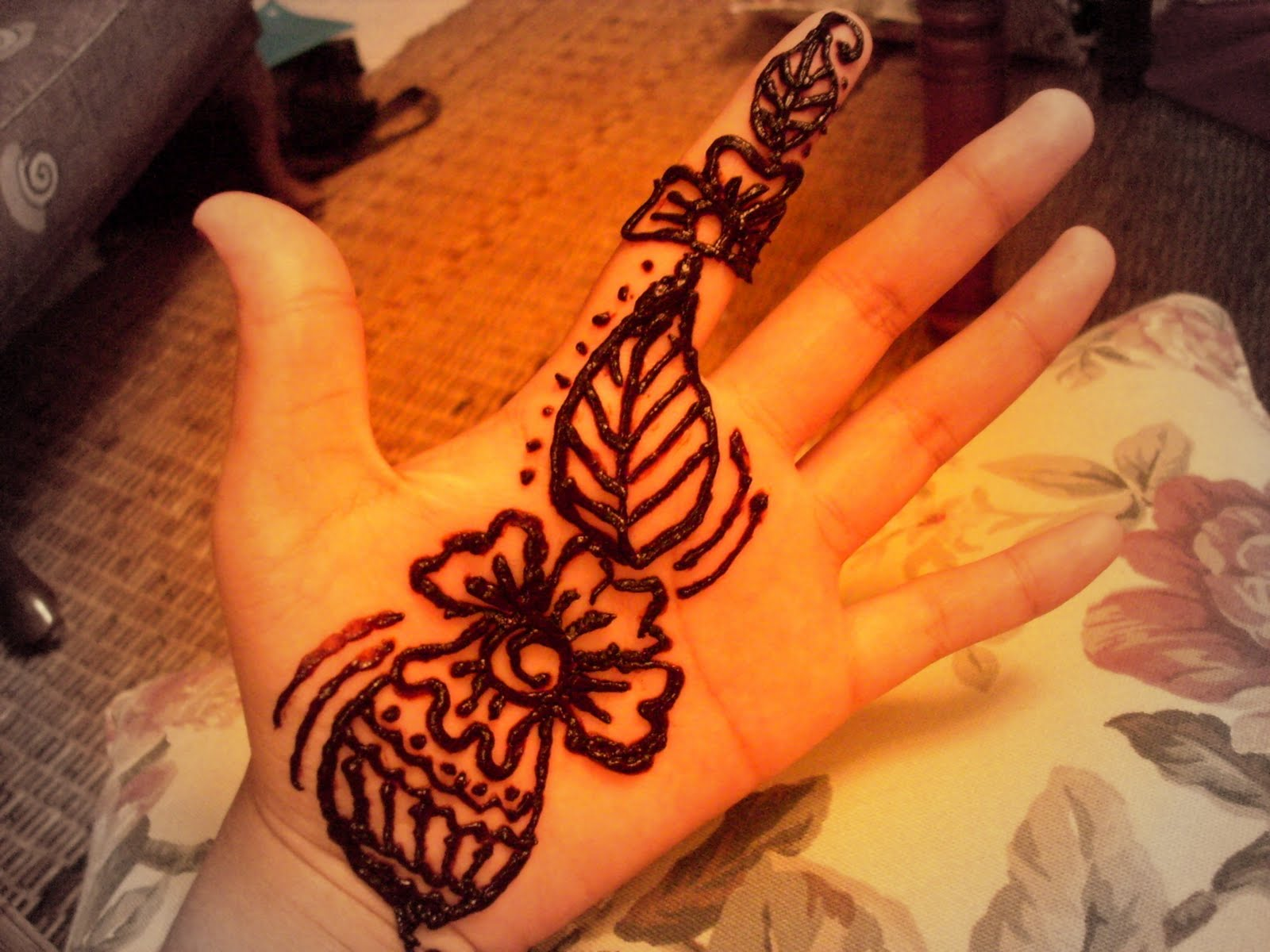 Colourful Life Of Asyran Simple Henna