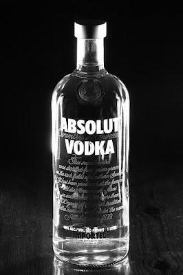 Absolut-Vodka-Black-&-White-Advertisement