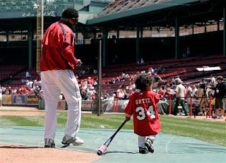 Lil Papi honors his big Mami