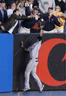 Carlos Gomez makes a great catch