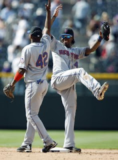 Jose Reyes celebrates a Mets win