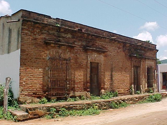 Casona Antigua de la Población de Imala