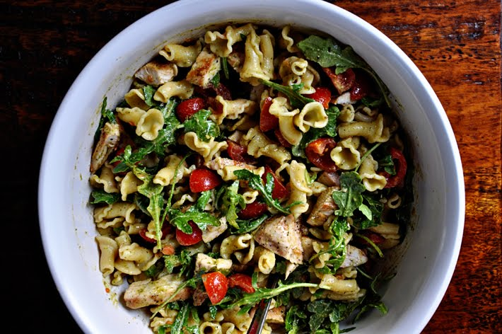 the parsley thief: Pesto Pasta Salad with Grilled Chicken