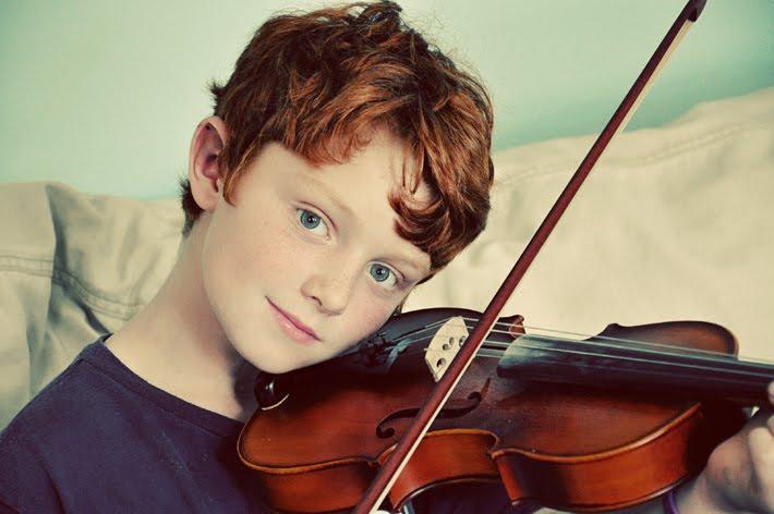 http://2.bp.blogspot.com/_m7pFCBYhoEk/TJu9lDvoLPI/AAAAAAAAaWY/3jEmZB3FS1Y/s800/max:violin:710.jpg