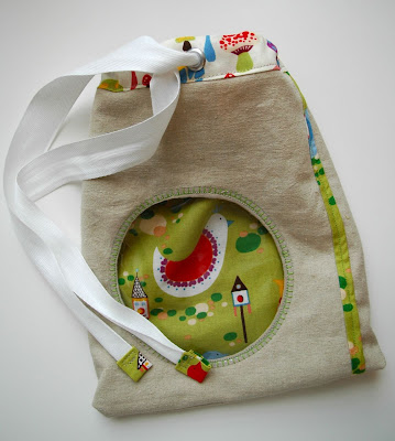 Make A Peeking Bag with Crafterhours& Twilltape Giveaway! {Guest Tutorial}