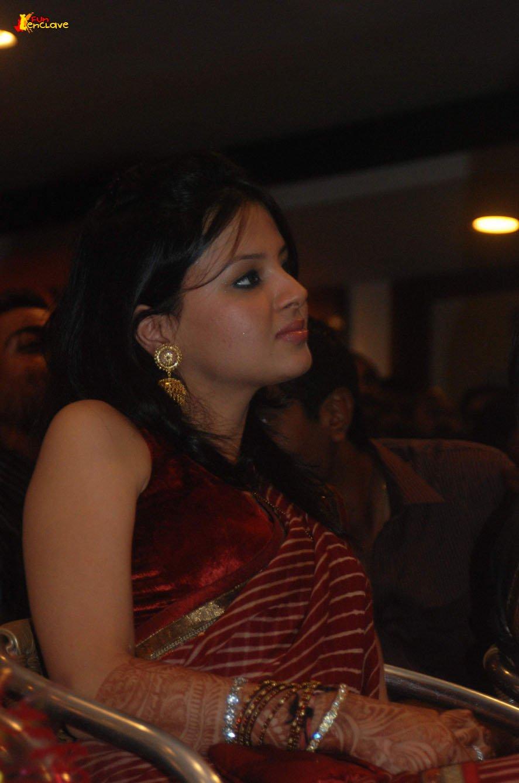 Sakshi dhoni csk