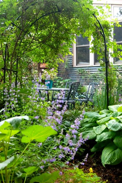 Toronto Gardens: Tricks for Small Gardens