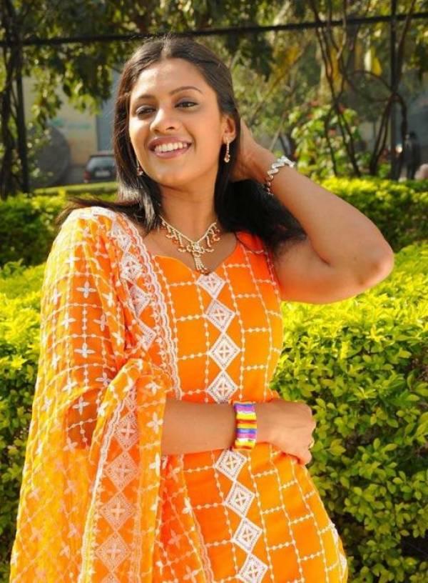 malayalam tv actress amp anchor meera krishnan orange dress pics