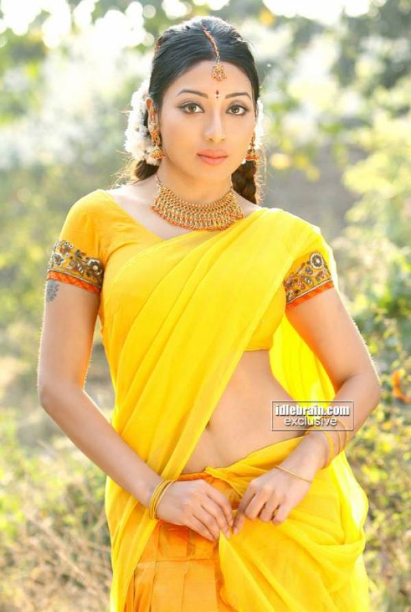 Kolkata Bengali Actress Amp Models Sarmi Karati Photos