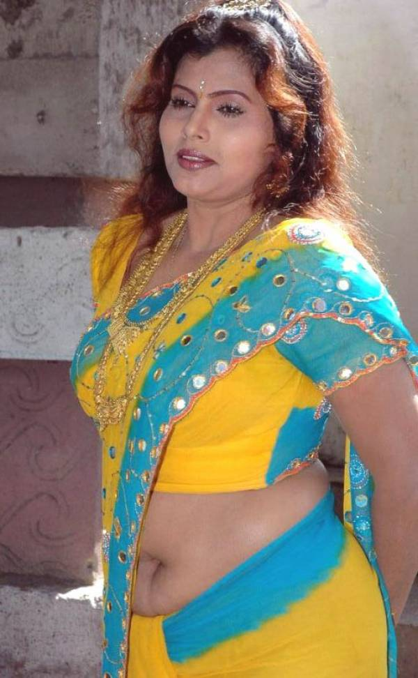 Desi Mallu Navel Aunty Saree Blouse