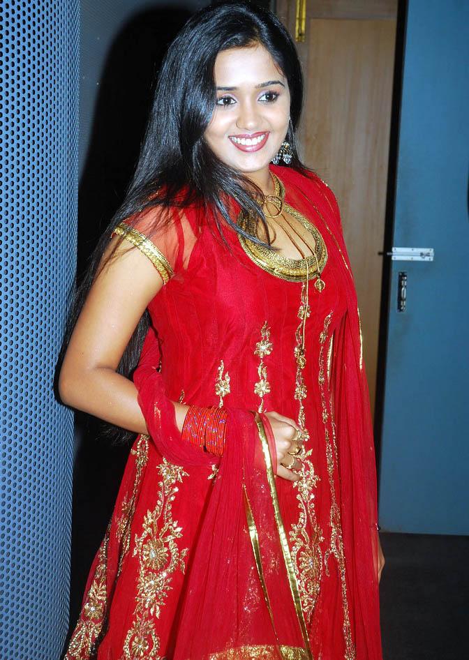 South Indian Desi Actress Ananya Hot And Sexy Red Salwar Kamiz Dress Celebrity Photos