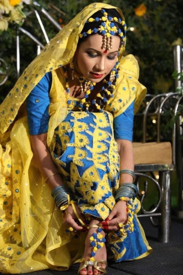 http://2.bp.blogspot.com/_mCQCUdBDa_U/S9JwiR60xlI/AAAAAAAAHwM/jhJ9ogGFhkk/s1600/Bangladeshi-Bridals-Wedding-Photos-9.jpg