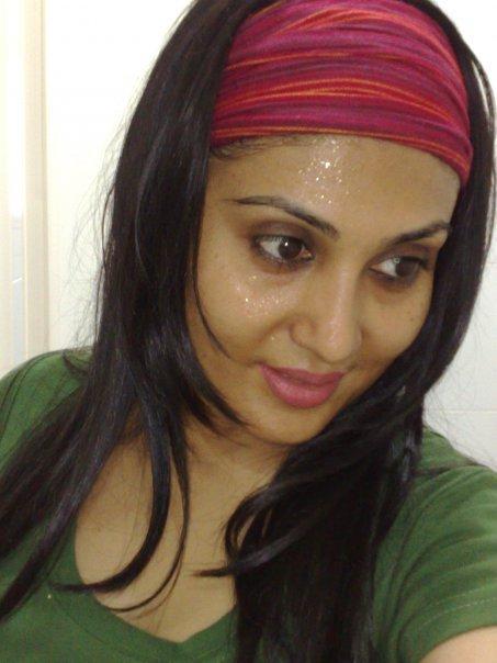 http://2.bp.blogspot.com/_mCQCUdBDa_U/S9JyjAJN5QI/AAAAAAAAHy8/jvU3_-Qbmh0/s1600/Bonna-Mirza-9.jpg
