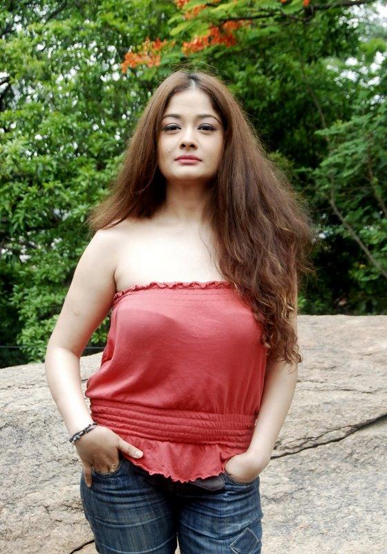 lesbians-nude-tamil-malayalam-bell