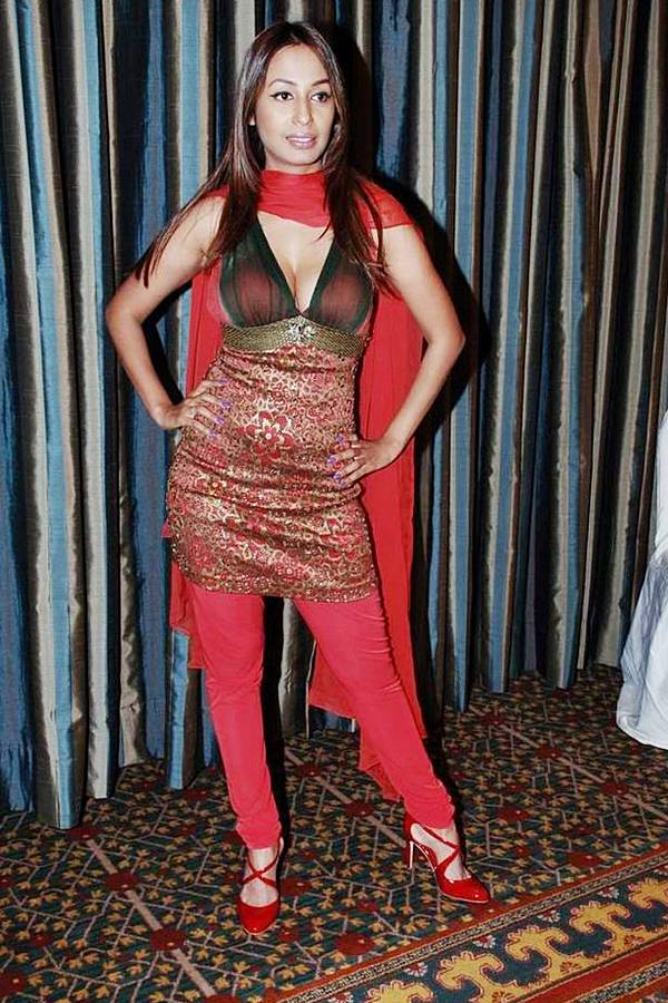 Kashmira Shah Bollywood Music Video Hot Item Song Actress amp Model Latest Pics gallery pictures