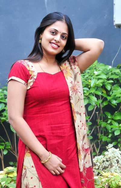 Sindhu Menon  Telugu Actress Beautiful Homely Girl Latest Photo Shoots wallpapers