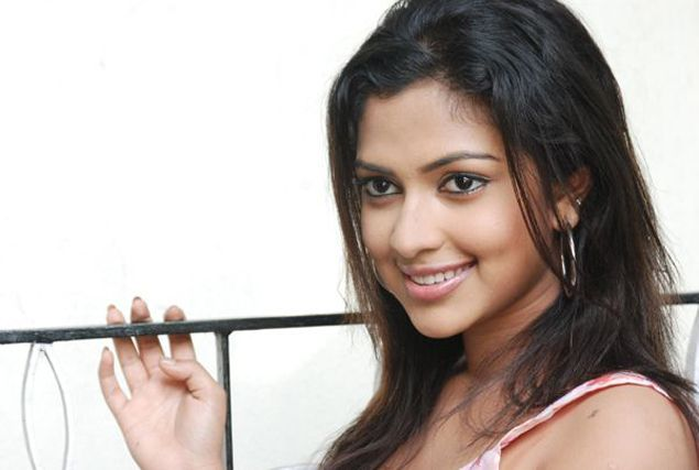 Amala Paul  Tamil actress latest photos hot picture cute pics movie stills navel show gallery hot photos