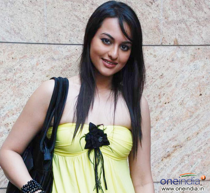 Sonakshi Sinha - Upcoming Race 2 movie stills, photo gallery