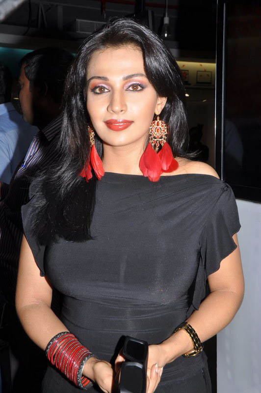 Asha Saini At Philips d Launch Hot Loose Dress Celebrities Photos cleavage
