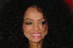 diana ross coaches and sings on American Idol
