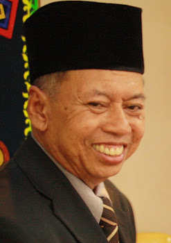 PENERIMA ANUGERAH PERKHIDMATAN CEMERLANG 2010