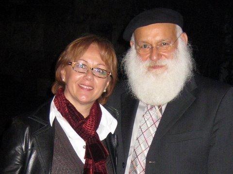 Daniela Marinkovic con il Rabbino Laibl Wolf dopo la conferenza a Milano