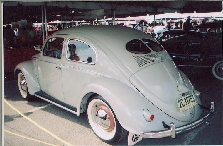Modelo de 1952  Split Oval