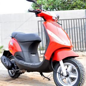 Piaggio Zip 100 Motorcycles pictures