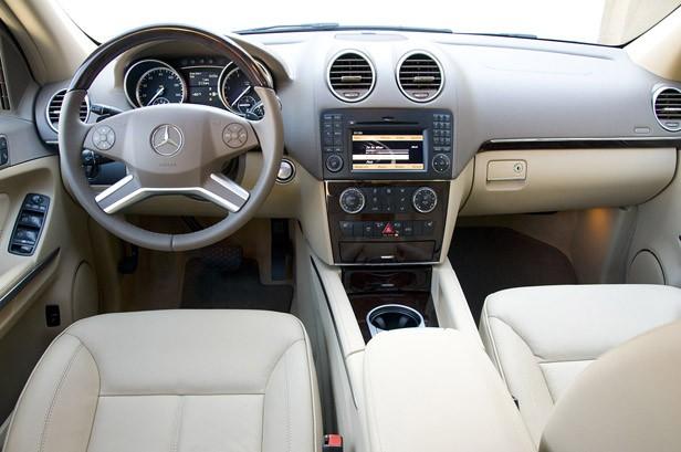2010 Mercedes-Benz GL350 Bluetec Dash Interior Photos