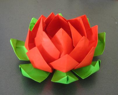 Pastry chef wannabe how to make origami lotus for How to make a lotus with paper