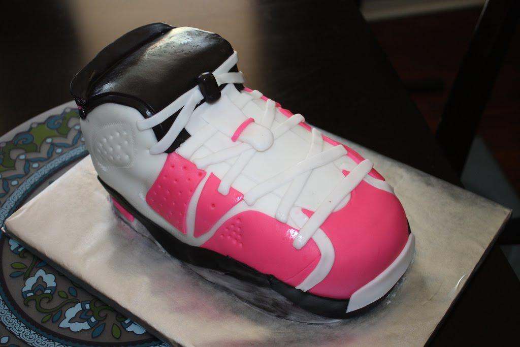 teeny s tiny s cakes pink shoe cake