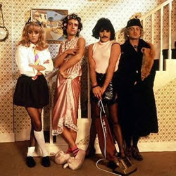 Queen - Cross-dressing na música e na mídia