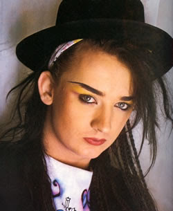 BOY GEORGE - Cross-dressing na música e na mídia