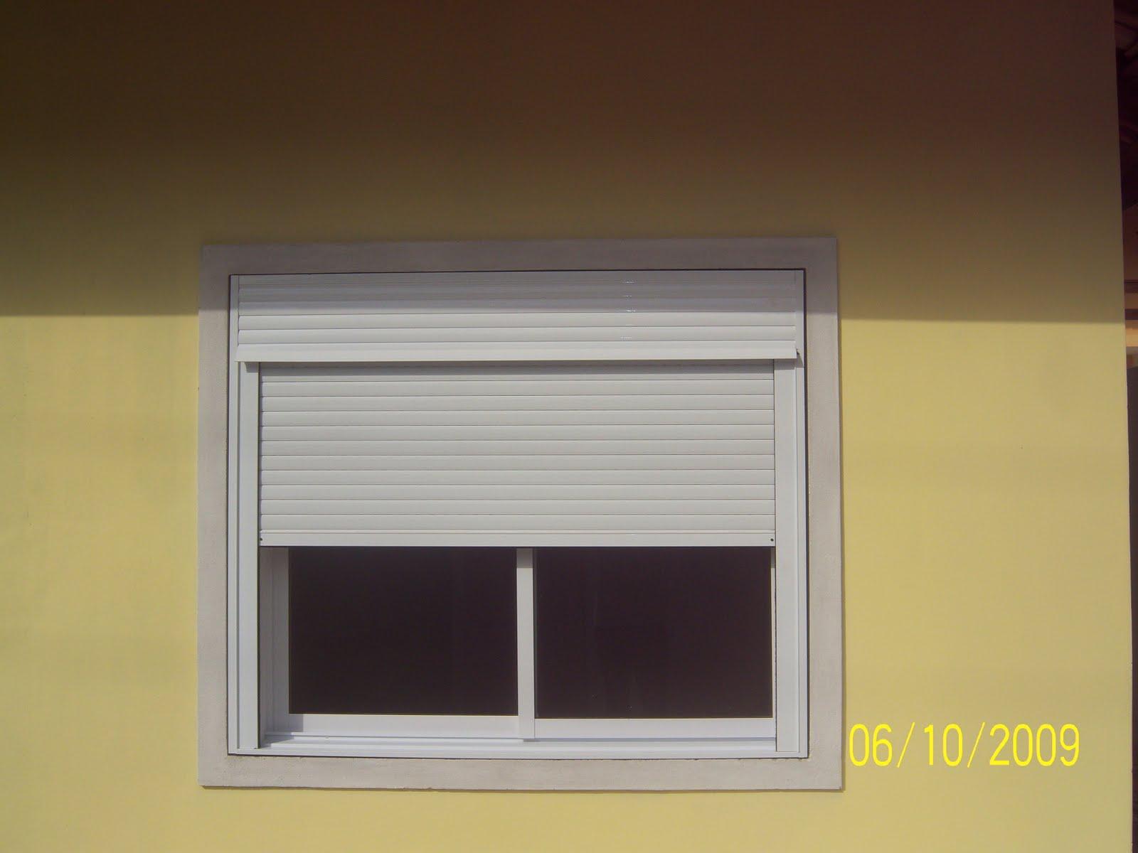#B8AE13 MJ 30 Tee PVC Persiana integrada a janela de correr 02 folhas de vidro 726 Janelas Vidro Duplo Pvc