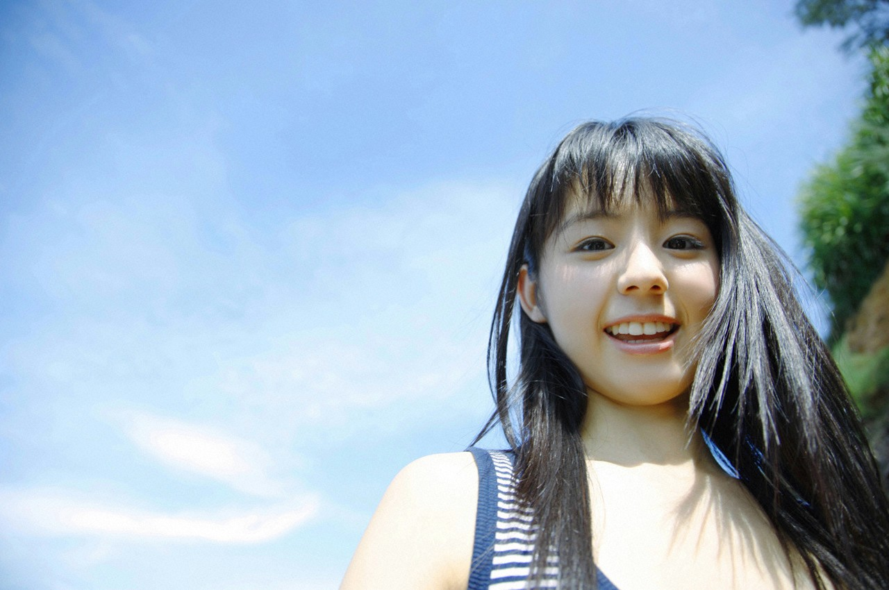 Download this Rina Koike The Beach picture