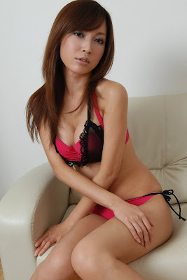 Japanese Models Oya Mayu on Sofa » Asian Celeb/Oya Mayu