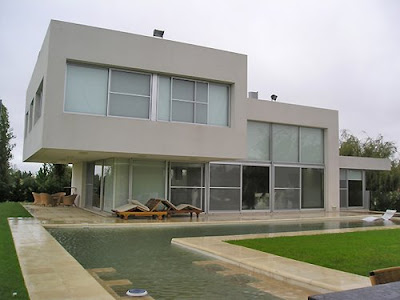 Casas minimalistas y modernas fachadas minimalistas for Arquitectura minimalista casas