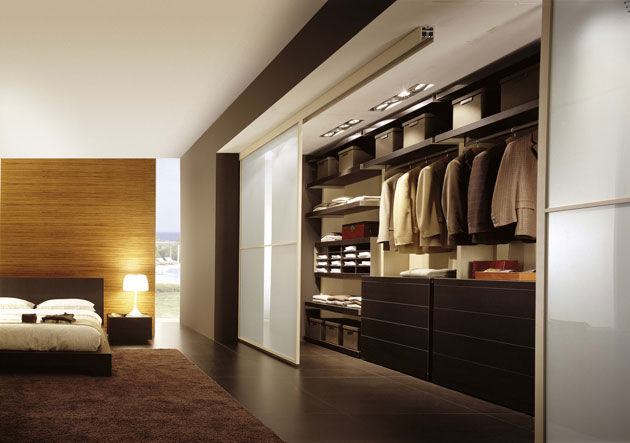 Casas minimalistas y modernas walk in closets de fime for Camera minimalista