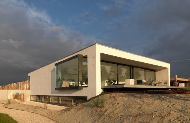Desierto minimalista ii mervin diecast for Casa minimalista 120m2