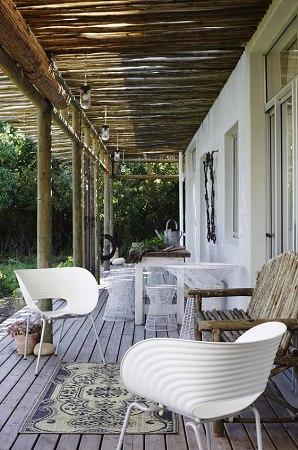 Estilo rustico galerias con techos de ca a y ramas for Techos para galerias exterior