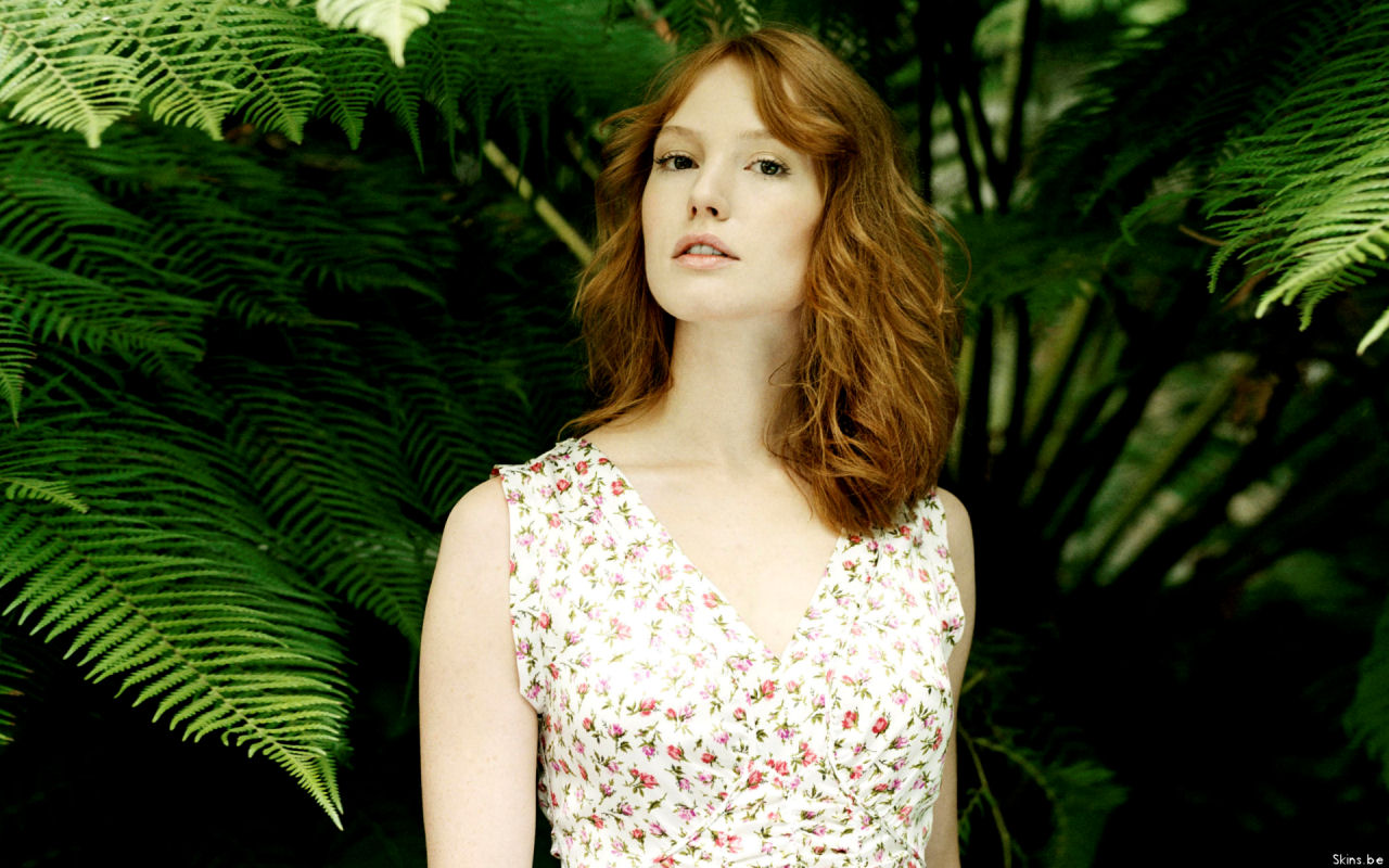 Diane Witt Hair http://hotactressbugil.blogspot.com/2010/12/hot-alicia-witt-photos-and-biography.html