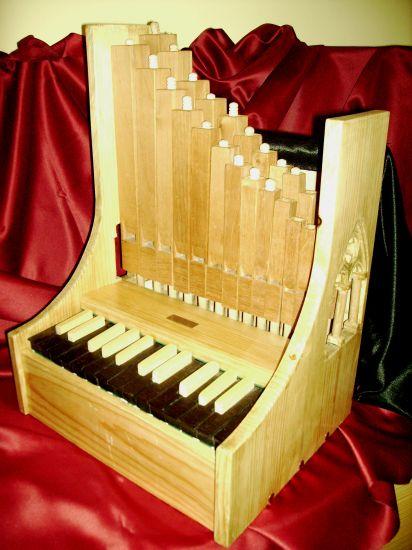 Rom nico instrumentos de teclado for L organo portativo