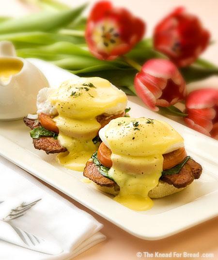Epicurean Enthusiast: Recipe: Traditional Eggs Benedict