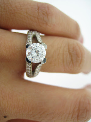 This traditional 2 piece wedding set engagement ring PLUS wedding band has