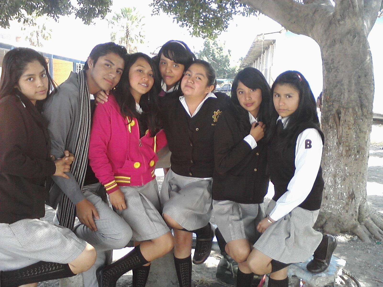enanas sexis escuela secundaria