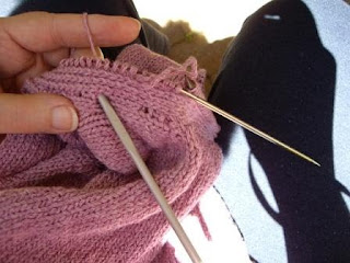 Ozlornas Knitting Blog: Crochet over Stocking Stitch Edging