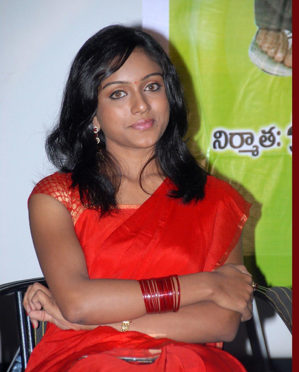 vitika telugu actress in saree images