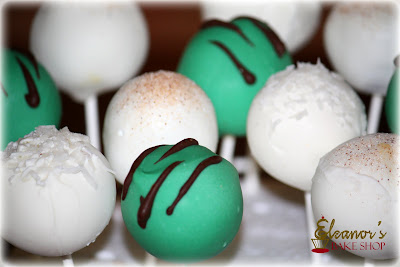 Mint,+Hawaiian+Delight,+Cinnamon+Sugar+Cake+Pops watermark Cake Pops
