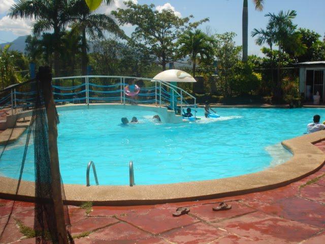 Makapagsulat Lang Waterfront Beach Resort Bataan